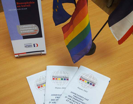 Anciens flyers de l'association LGBT d'Air France